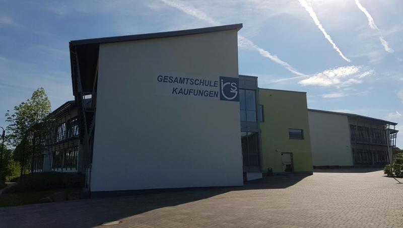 1074874029-rassismus-igs-kaufungen-gesamtschule-3HQhwEGAee